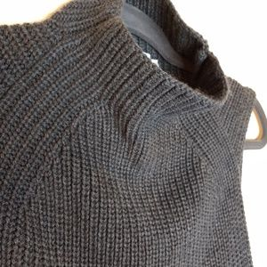 Three Dots Merino wool blend sleeveless sweater